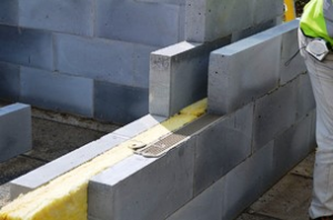 Celcon Plus Blocks using Thin-Joint mortar (MMC)